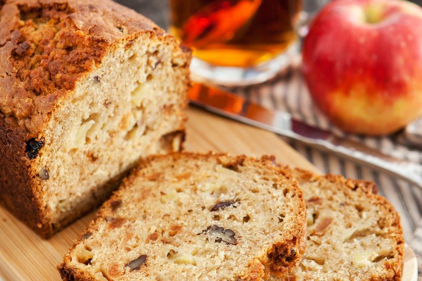 Régimódi, kevert almás-diós süti, amit mindig van idő elkészíteni