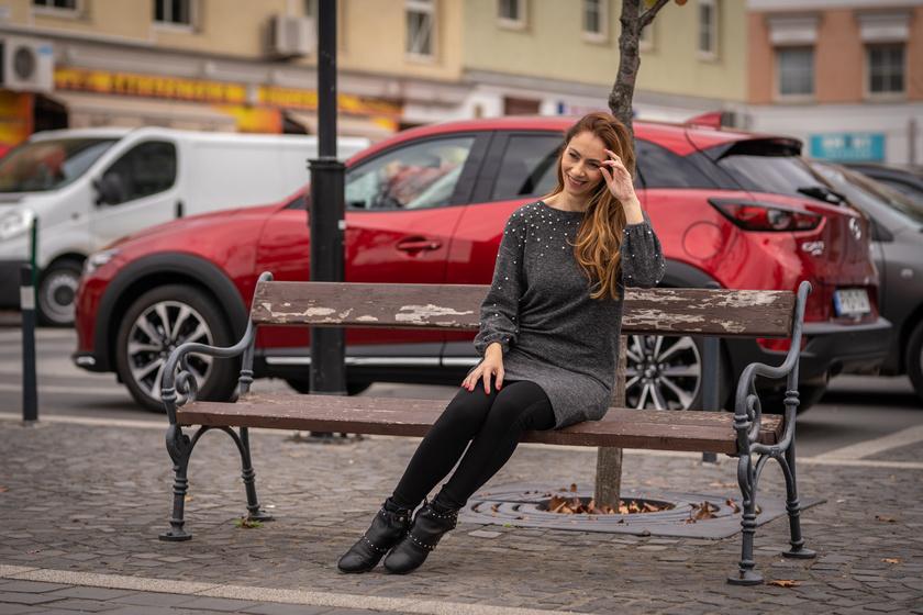 Szabó Patrícia irigylésre méltó formában van, letörölhetetlen arcáról a mosoly.