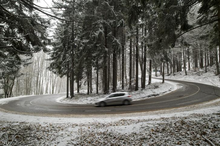 A Kékestetőt november 19-én leesett az első hó