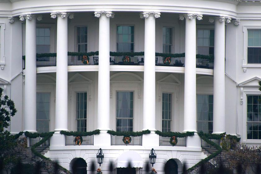 Ez lesz a Fehér Ház hivatalos karácsonyfája 2018-ban - Fotókon a hatalmas fenyő