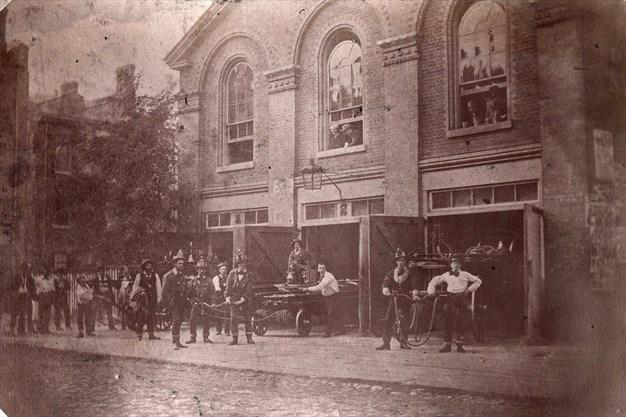 Tűzoltó állomás Torontóban az 1860-as években a Church streeten