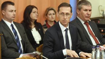 Varga Mihály szerint jövőre 4 százalékkal bővül a gazdaság