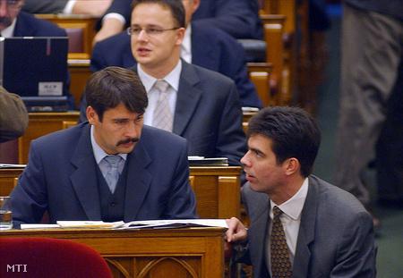 Áder János és Gyürk András a magyar parlamentben