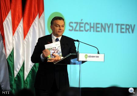 Budapest, 2011. január 14. Orbán Viktor az Új Széchenyi Terv (ÚSZT) bemutató tájékoztatóján, a Budapest Marriott Hotelben.