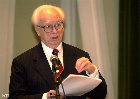 Mádl Ferenc 2001. decemberében (Fotó: Földi Imre)