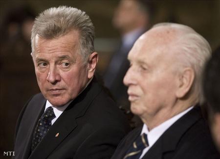 Schmitt Pál és Mádl Ferenc a trianoni békeszerződés aláírásának 90.évfordulója alkalmából tartott katolikus emlékmisén, 2010. június 4-én (Fotó: Szigetváry Zsolt)