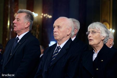 Mádl Ferenc és felesége Mádl Dalma, mellettük Schmitt Pál (Fotó: Földes András)