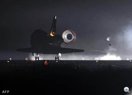 Simán landolt utolsó missziója végén az Endeavour