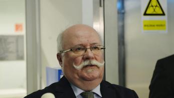 Kásler Miklós néhány hónap után felmentette a tisztifőorvost