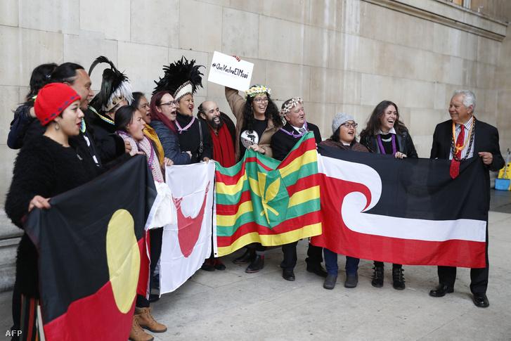 A rapa nui küldöttség Londonban