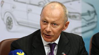 Ketten helyettesítik a Renault letartóztatott elnökét