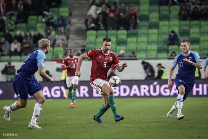 Szalai Ádám (k) a Magyarország - Finnország mérkőzésen 2018 november 18-án
