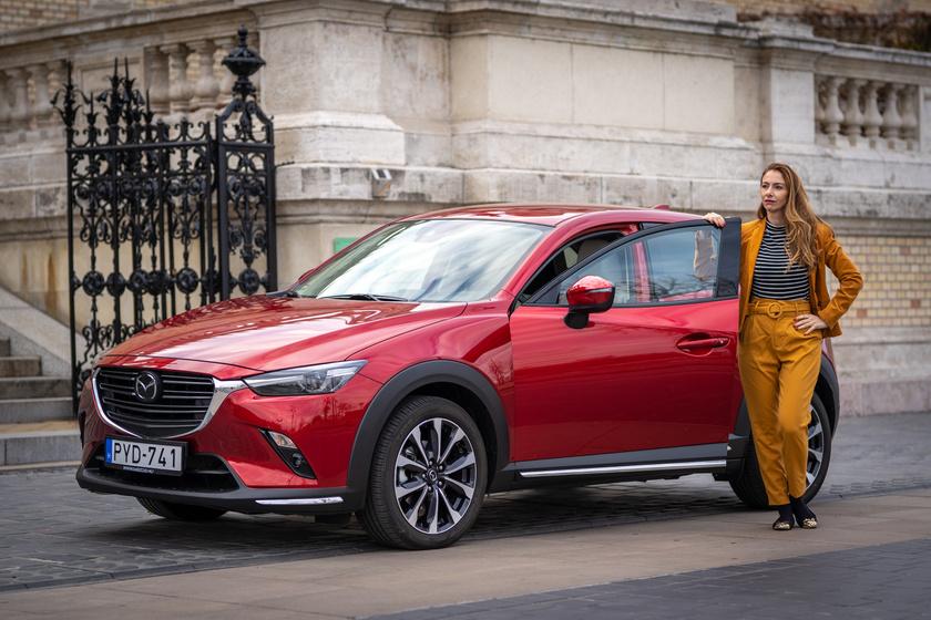 Patrícia lételeme a mozgás és az elegancia. A nőies Mazda CX-3-mal remekül kiegészítették egymást.