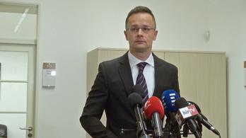 Szijjártó: Magyar diplomaták kísérték Gruevszkit