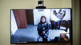 Jogerősen felmentették az első őrizetbe vett hajléktalan nőt