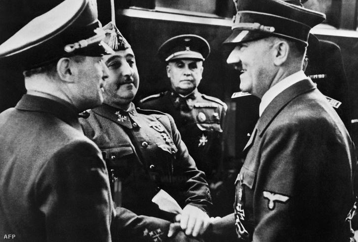 Francisco Franco és Adolf Hitler a Hendaye vasútállomáson 1940. október 23-án