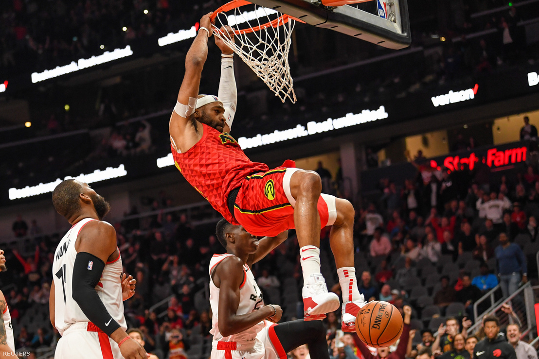2018-11-22T035926Z 1470761610 NOCID RTRMADP 3 NBA-TORONTO-RAPTOR