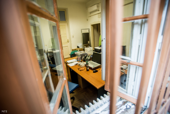Képünk illusztráció! Üres iroda a Kispesti Polgármesteri Hivatalban