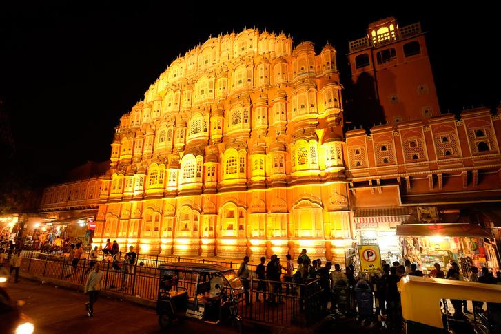 Hawa Mahal, azaz a Szelek palotája Dzsaipur központjában. Ez is XVIII. századi cucc