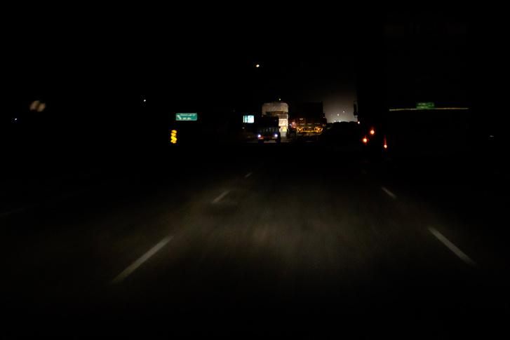 Ezt látod éjjel az autópályán