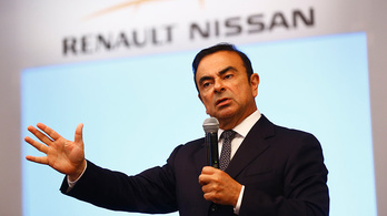 A Renault is kihátrál Carlos Ghosn mögül