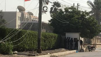 Kézigránáttal, tűzfegyverekkel támadtak meg egy kínai konzulátust