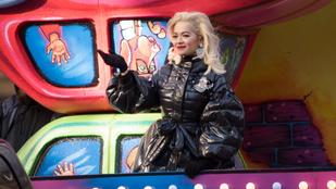 Rita Ora nagyon beégett a hálaadásnapi playbackkel
