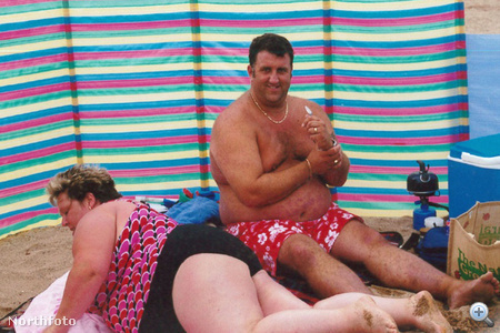Paul és Kerrie Kew nyaraláskor, még fogyás előtt