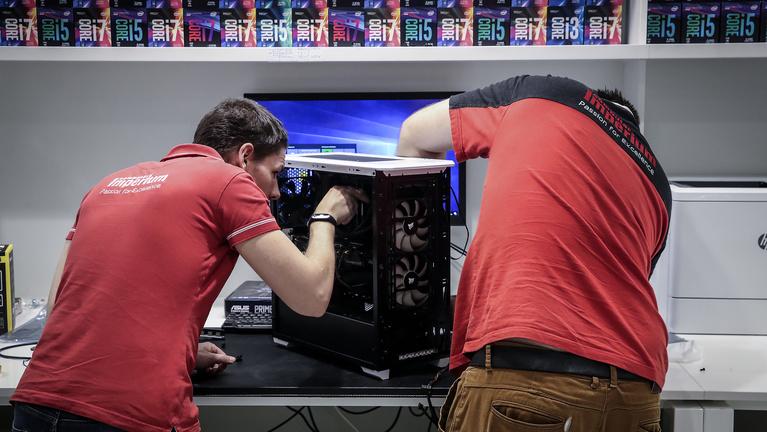 Mit tud az Intel legbrutálisabb processzora?