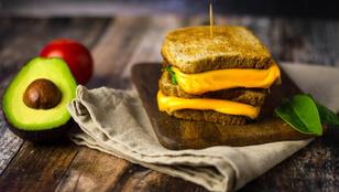 Teszt: Mennyi sajt van a lapkasajtban? És van, amelyik ehető?