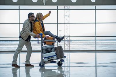 repülő repülés reptér vicces pár repülőtér