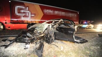 Göd és Hódmezővásárhely közelében is halálos baleset történt