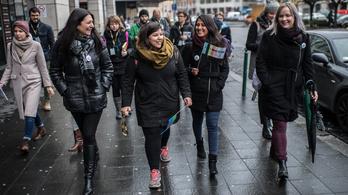 Megsétáltatják a turistákat a cigányok a nyolckerben
