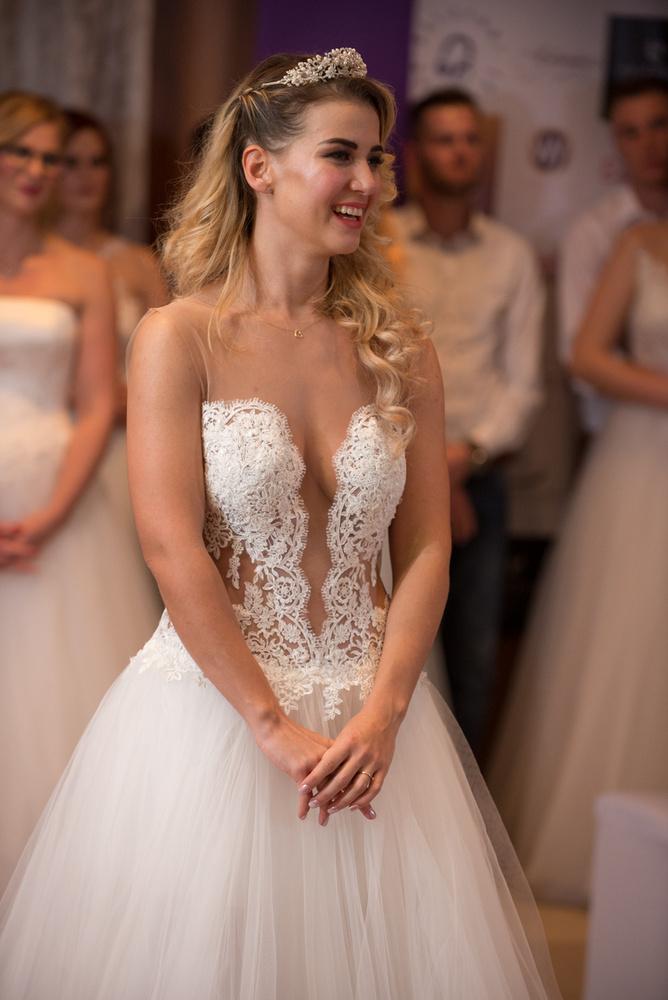 Ugye, mekkora a különbség? A négy menyasszony egyébként a 2019 májusi országos döntőn ismét fel fog lépni, ahol a                         budapesti, a Pest                         megyei és a kelet-magyarországi verseny első négy helyezettjével kell megküzdeniük