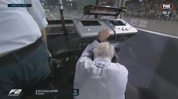 Még a versenyigazgató is lekapta a fejét az F2-rajtbalesetnél