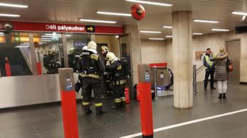Elfogták a 2-es metróban gázspray-t fújó férfit