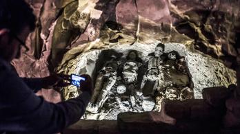 Ókori sírkamrát, szarkofágokat fedeztek fel Luxornál
