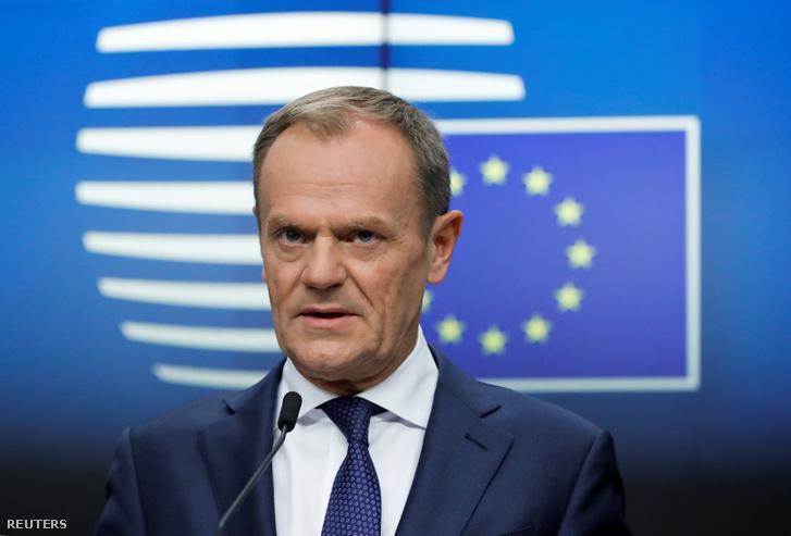 Donald Tusk az ülést követő sajtótájékoztatón Brüsszelben