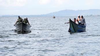 Száz emberrel süllyedt el egy kirándulóhajó a Viktória-tavon