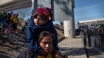 Ismét megnyitották hétfőre virradóra az amerikai-mexikói határt