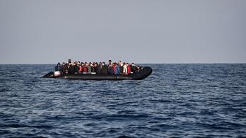 Több mint száz embert mentett ki a tengerből a líbiai parti őrség