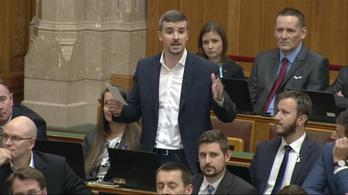 Orbánt lókupecnek nevezte, azonnal kizárták a jobbikost az ülésről