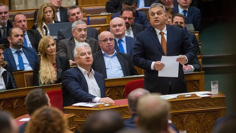 Gruevszki-ügy: Orbán válaszát hangosan nevette ki az ellenzék