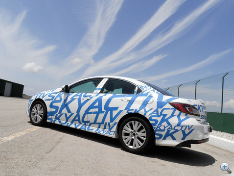 2012-ben jön az első Égaktív Mazda, a CX-5. Az új 6-osra 2013-ig kell várni