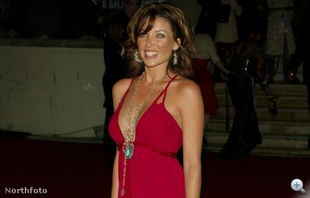 Dannii Minogue a vörös szőnyegen