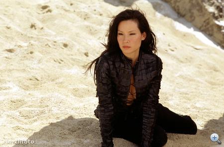 Lucy Liu mint Charlie angyala