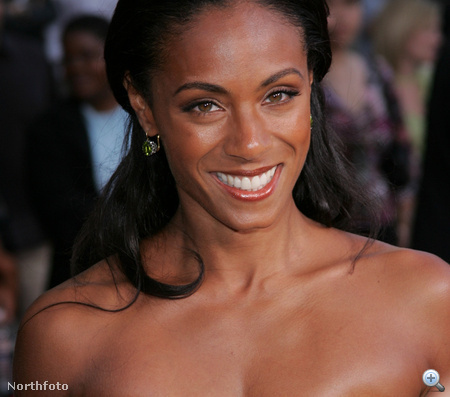 Jada Pinkett Smith mosolya