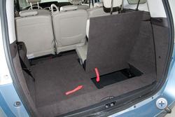 Picit talán nagyobb a csomagtartó hét üléssel a Renault-ban, de így is mikroszkópikus