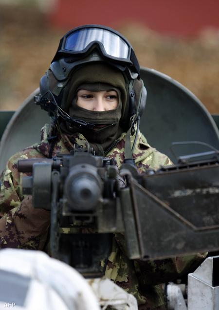 Olasz békefenntartó nő Libanonban