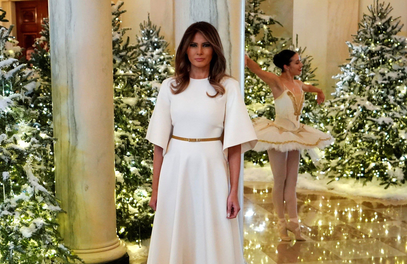 Ámulunk a Fehér Ház karácsonyi díszítésén - Melania Trump csodát művelt febf2d94d7